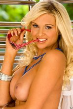 Cara Brett Removes Her Sexy Lingerie 02