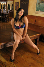 Sunny Leone Dildo 01