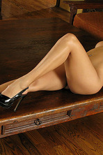 Sunny Leone Dildo 07