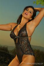 Sexy Babe Sunny Leone 05