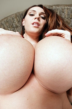 Huge Tits Expossed