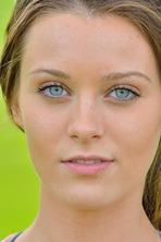 Sporty Girl Lana 01