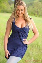 Jodie Gasson Outdoor 02
