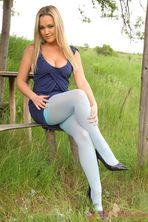Jodie Gasson Outdoor 03