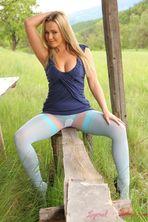 Jodie Gasson Outdoor 05