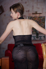 Stunning Russian Redhead Lilu Rose Favors The All-natural Look 01