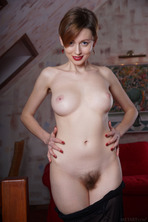 Stunning Russian Redhead Lilu Rose Favors The All-natural Look 08