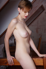 Stunning Russian Redhead Lilu Rose Favors The All-natural Look 14