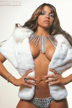 Vida Guerra Posing Her Gorgeous Latin Curves 08