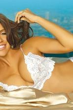 Vida Guerra Posing Her Gorgeous Latin Curves 10