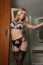 Hot Blonde Shannyn Xo 12