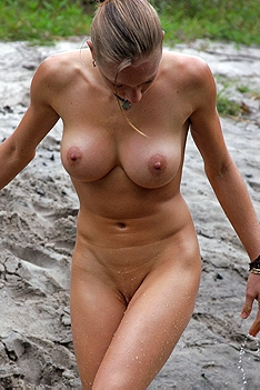 Wet Natural Body Of Nathaly