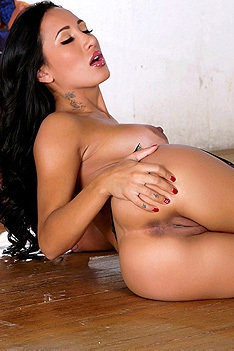 Black Haired Amia Miley