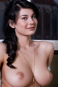 Lucy Li With Perfect Curves