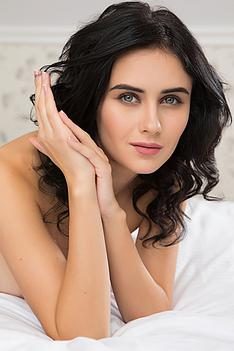 Exquisite Beauty Stella P