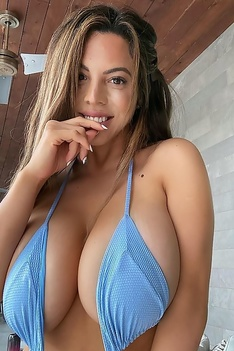 Big Boobed DANIELLEY AYALA