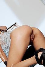 Tiffany Thompson Spreads Her Legs 15